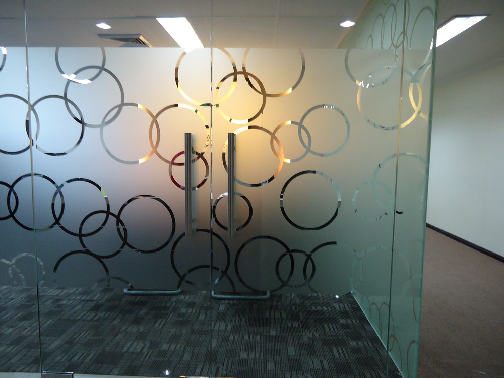 Stickering Door glass